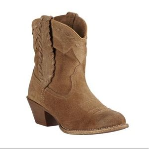 NWT Ariat Ankle Boots